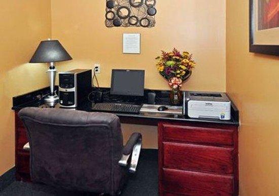 Quality Inn: In-Room