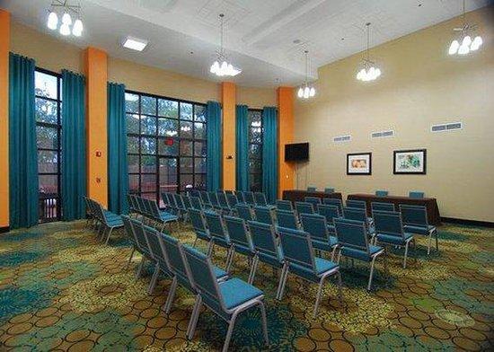 Quality Suites Sulphur: meeting room