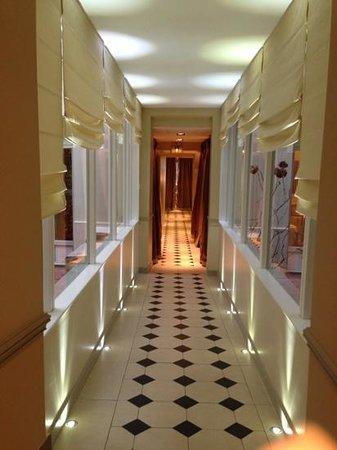Hotel Relais Bosquet Paris: hallway...