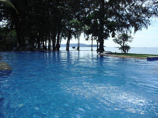 Hotel Hive Khao Lak Beach Resort