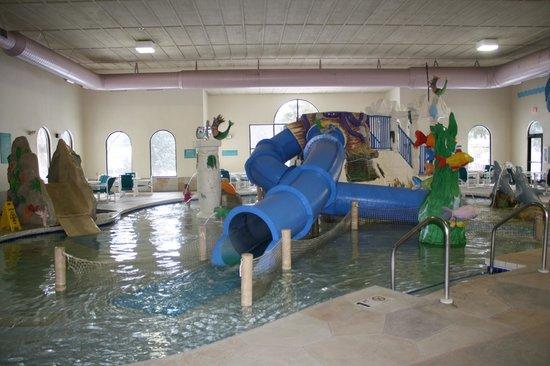Atlantis Waterpark Hotel & Suites:                                     perfect little waterpark