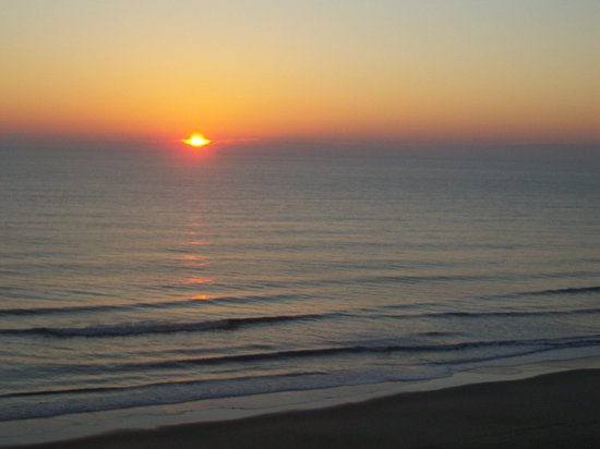 Wyndham Virginia Beach Oceanfront:                                     Sunrise on the Atlantic