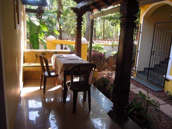 Quinta da Graca:                                     Porch