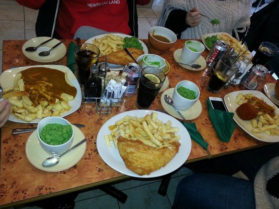 Best fish chips in porthcawl review of beales fish and for Fish chips restaurant