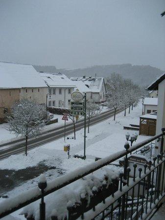 Hotel Zur Post Meerfeld:                   uitzicht vanop het balkon
