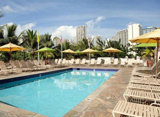 Ambassador Hotel Waikiki: Pool