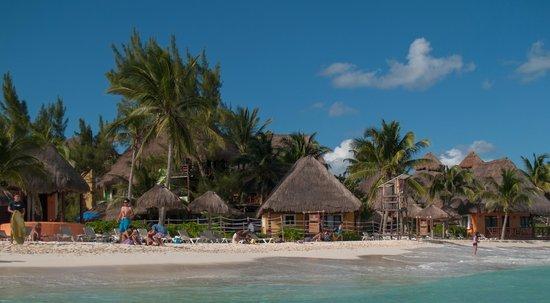Mahekal Beach Resort:                   Het strand van de zee gezien