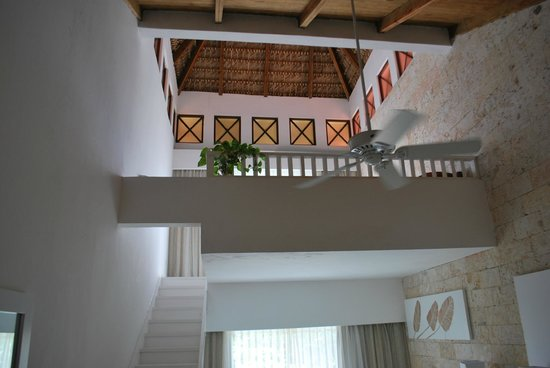 Punta Cana Princess All Suites Resort & Spa: Upstairs Loft where the Jacuzzi is