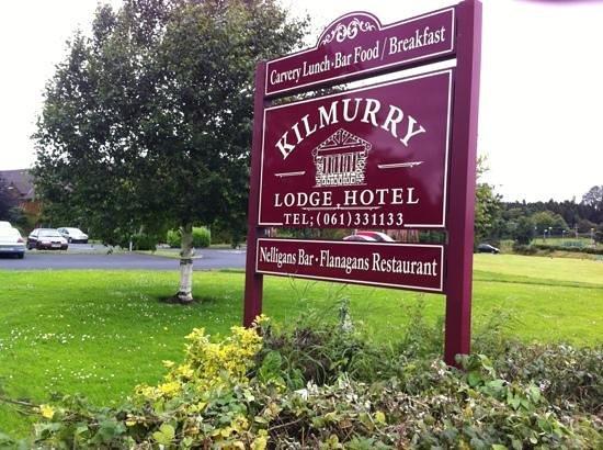 Kilmurry Lodge Hotel:                   entrance