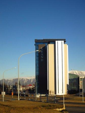 Grand Hotel Reykjavik:                   Отель и местность
