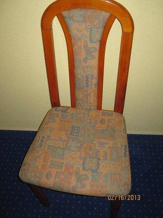 Albatros Airport Hotel:                   Chair
