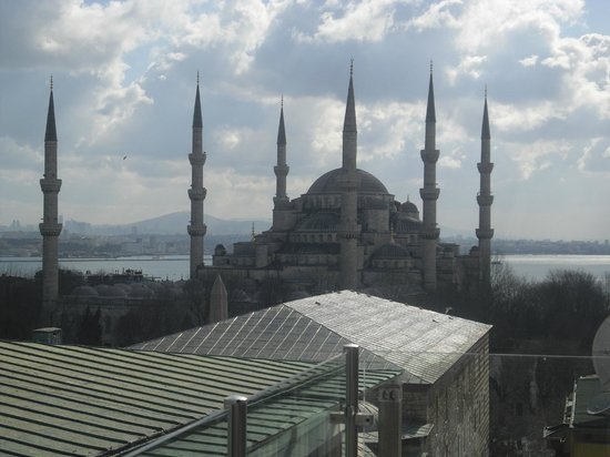 Lady Diana Hotel: Roof top terrace - Blue Mosque