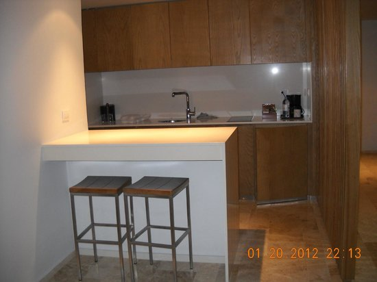 Privilege Aluxes:                   Suite Deluxe Kitchen area