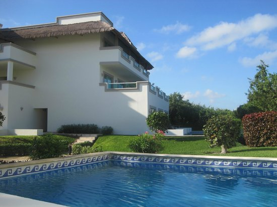 BlueBay Grand Esmeralda: Our pool as part of our suite - nice and quiet!