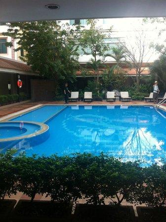 Angkor Riviera Hotel: Pool