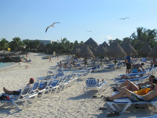 Grand Sirenis Riviera Maya Resort & Spa:                   Main Beach