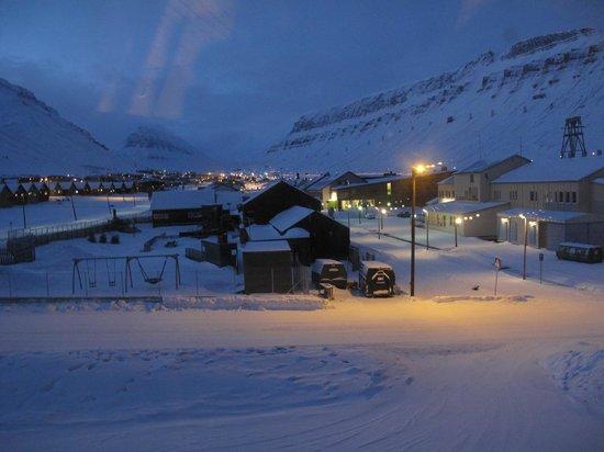 Radisson Blu Polar Hotel, Spitsbergen, Longyearbyen: main street Longyearbyen