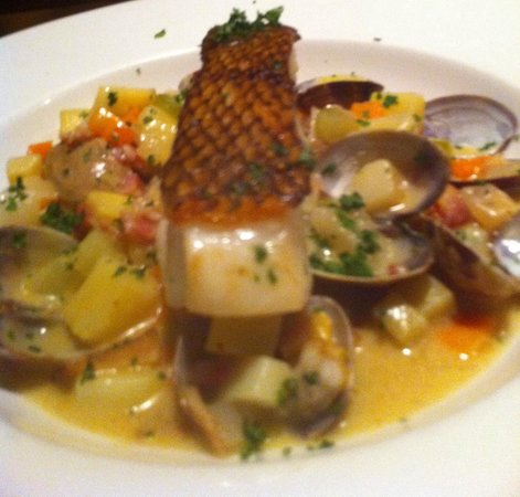 Tap Restaurant: Sea Bass with clams entree
