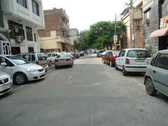 S&B East Inn Hotel : hotel's street