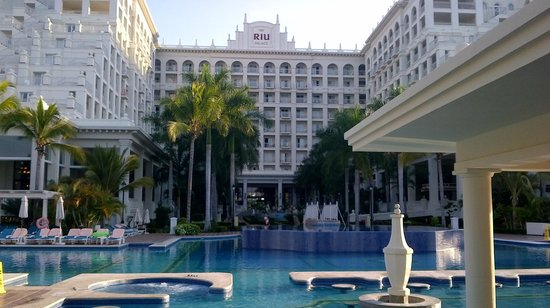 Hotel Riu Palace Pacifico:                   Beautiful and well kept