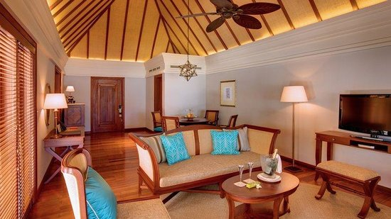 Constance Le Prince Maurice: Beach Villa Living Room