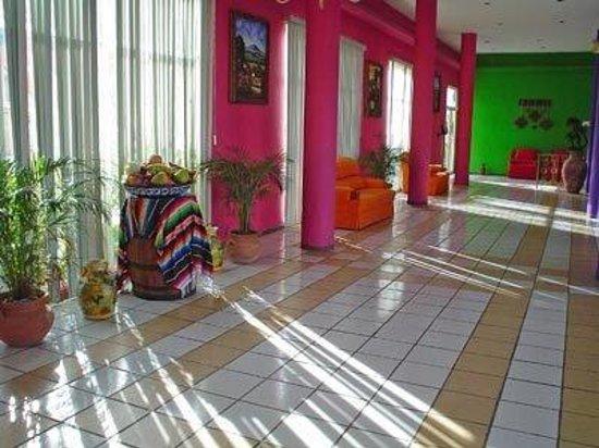 Dona Juana Cecilia Miramar: Corridor