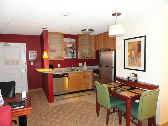 Residence Inn Roanoke Airport:                   Felt like home