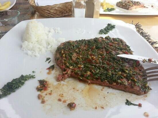 Mixtos:                   lomo al chimichurri. ..excelente...
