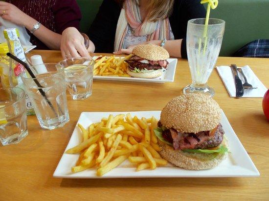 Real Burger Kitchen: Burgers