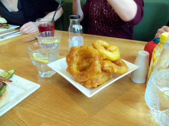 Real Burger Kitchen: Onion rings