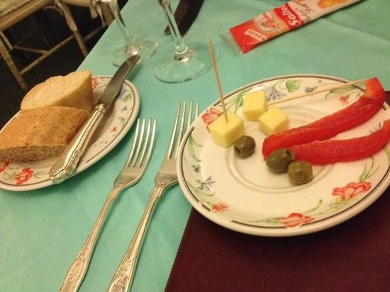 Frascati:                   Complimentary Hors D'oeuvres Magnifique.