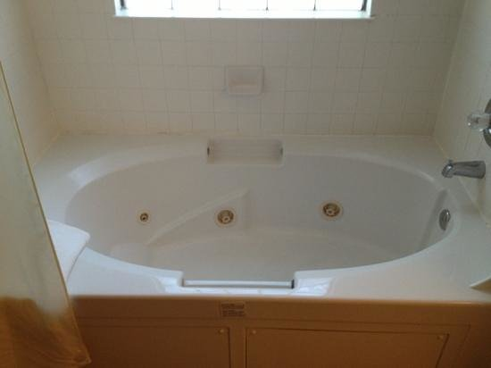 Westgate Painted Mountain Country Club: tub was great, but hot water ran out before full.