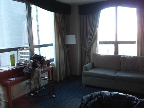 corner room lounge with sofa bed - Picture of DoubleTree Suites by ...