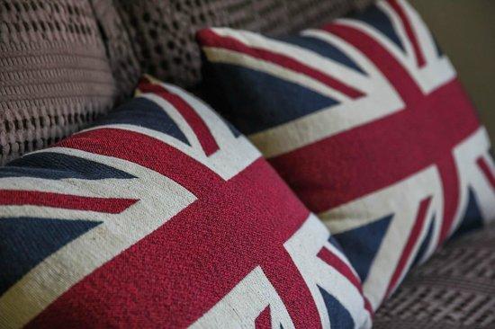 เบลนไฮม์ปาล์มโมเต็ล: A bit of fun with the UK theme