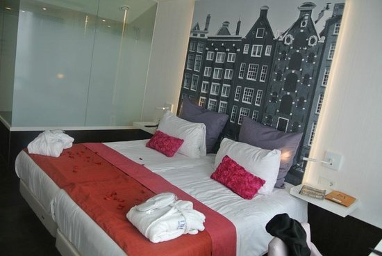 NH Collection Amsterdam Grand Hotel Krasnapolsky:                   Bedroom