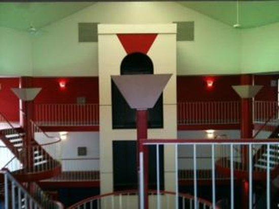 American Inn : View of Elevator