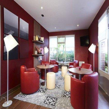 Campanile Rouen Est - Franqueville Saint Pierre : Lounge