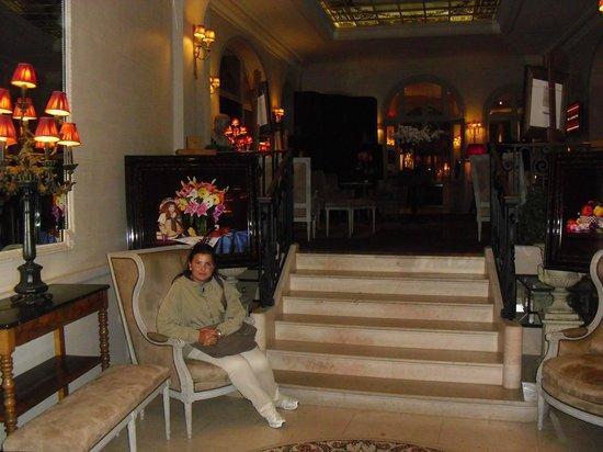 Best Western Grand Monarque:                   hotel