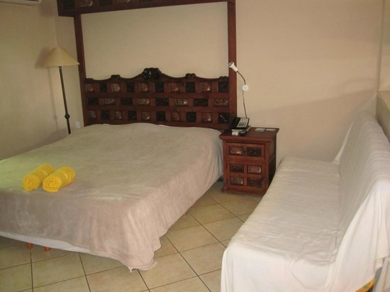Aruba Sunset Beach Studios:                   Sleeping area