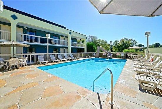 Hotels Close To Cades Cove