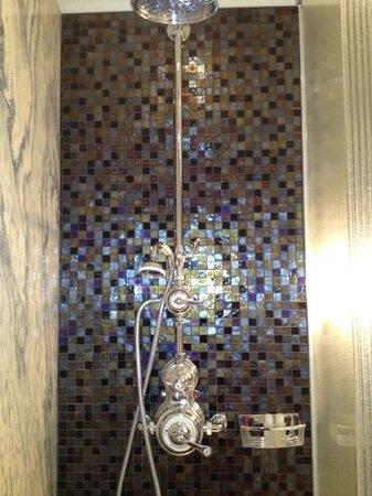 Adria Boutique Hotel:                   superbe robinetterie