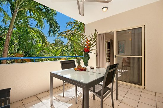 Central Plaza Port Douglas: Out Door Balcony