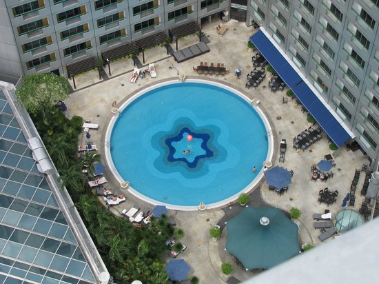 Swissotel The Stamford Singapore:                   Pool area
