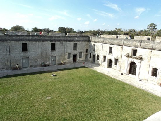 Castillo de San Marcos:                   interior of the fort - Plaza de Armas