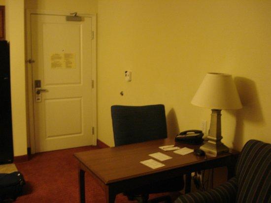 Residence Inn Bozeman: Desk