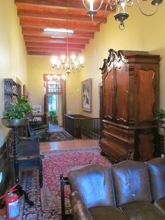 Dutch Manor Antique Hotel:                   The main hallway with antique furniture