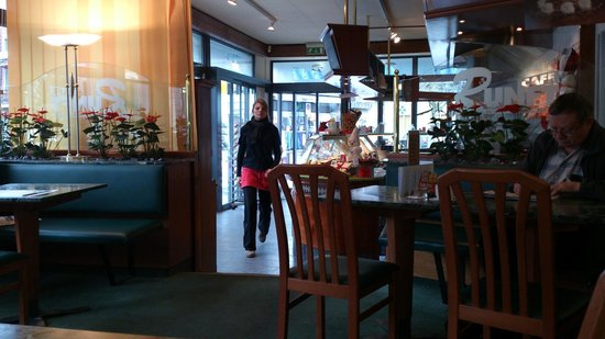 Cafe Runft:                   o café