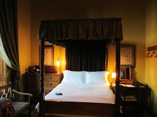 Dutch Manor Antique Hotel:                   Room #4, with a four-poster bed and high ceilings