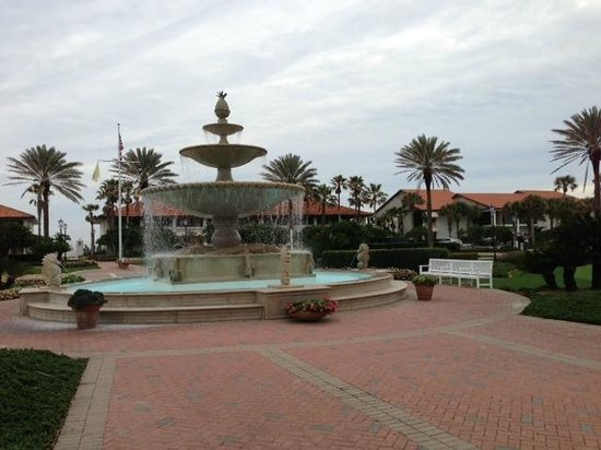 Ponte Vedra Inn & Club: The main hotel entry