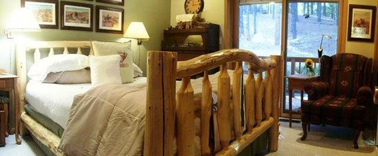 Elk Ridge Bed & Breakfast: Cozy, soft, linensto cradle you while you slumber